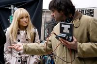 Kate Hudson and Director Gary Winick on the set of