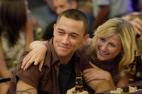 Joseph Gordon-Levitt and Mamie Gummer in