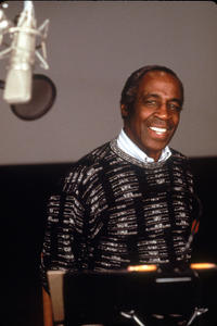 Robert Guillaume on the set of
