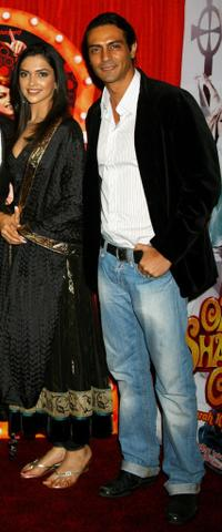 Deepika Padukone and Arjun Rampal at the photocall of