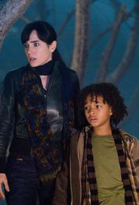 Jennifer Connelly as Helen Benson and Jaden Smith as Jacob in