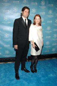 Julianne Moore and Bart Freundlich at the UNICEF 2007 Snowflake Ball.