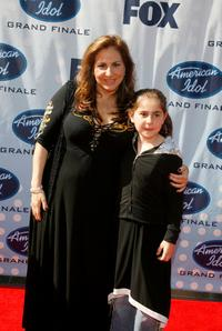 Kathy Najimy and her daughter at the American Idol Season 6 Finale.