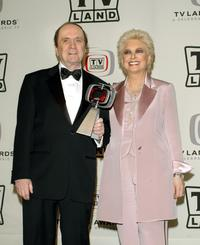Bob Newhart and actress Suzanne Pleshette at award in the press room at the 2005 TV Land Awards.