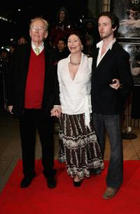 Peter O'Toole and his family at the gala screening of