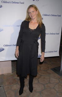 Elisabeth Shue at the Children's Defense Fund's 17th Annual