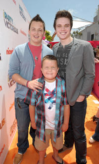 Noah Munck, Ethan Munck and Cameron Deane Stewart at the Los Angeles premiere of