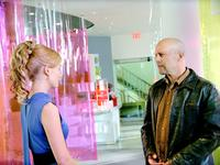 Rosamund Pike and Bruce Willis in
