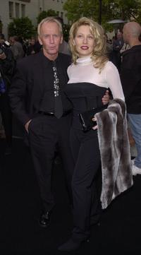 Paul Hogan and his wife Linda Kozlowski at the premiere of