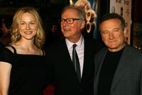 Barry Levinson, Laura Linney and actor Robin Williams at Graumans Chinese Theatre for the premiere of Universal Pictures
