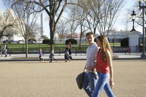 News Briefs: See Shailene Woodley with Joseph Gordon-Levitt in 'Snowden'; 'Star Wars' Coming to Digital