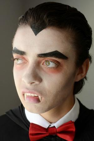 Movie Monster Makeup: Go Old-School Dracula for Halloween