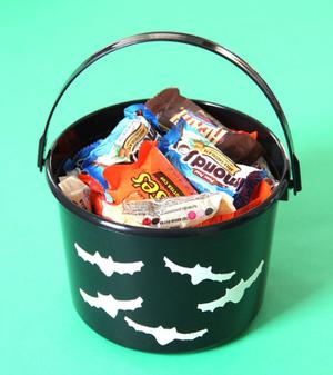 Make 'Hotel T2'-Inspired Glow-in-the-Dark Trick or Treat Buckets
