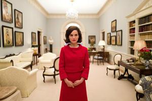 News Briefs: First Look at Natalie Portman as 'Jackie'