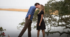 """Benjamin Walker as Travis Parker and Teresa Palmer as Gabby Holland in """"The Choice."""""""