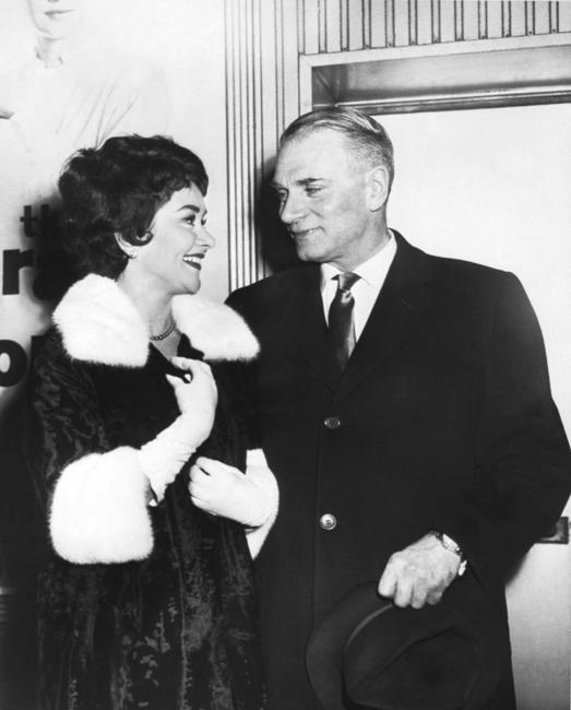 Sir Laurence Olivier and his wife Joan Plowrigh's picture taken upon their marriage in London.