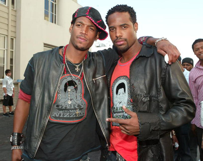 Marlon Wayans and Shawn Wayans at the 2004 MTV Movie Awards.