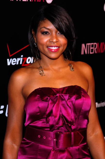 Taraji P. Henson at the Launch Party for the New BlackBerry 8330 Pink Curve.