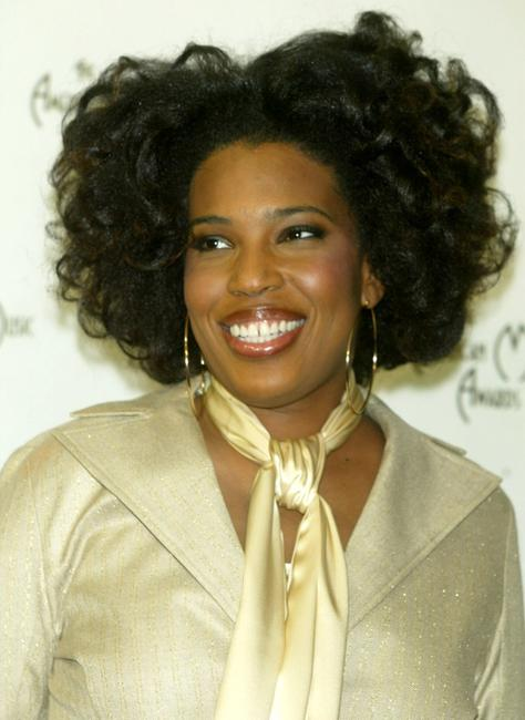 Macy Gray at the 31st Annual American Music Awards.