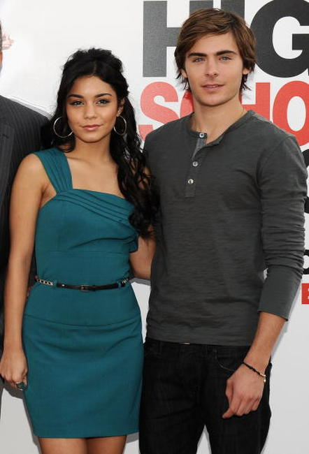 Vanessa Hudgens and Zac Efron at the photocall of