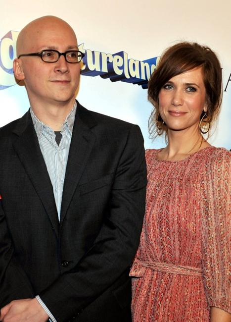 Director Greg Mottola and Kristen Wiig at the red carpet of
