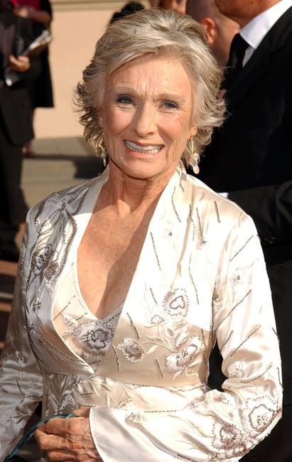 Cloris Leachman at the 2004 Primetime Creative Arts Emmy Awards.