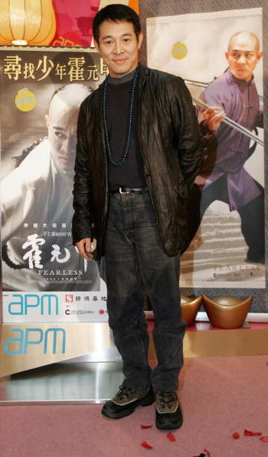 Jet Li at a shopping mall in Hong Kong to promote