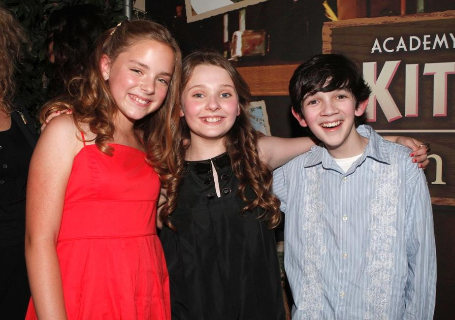 Madison Davenport, Abigail Breslin and Zach Mills at the premiere of