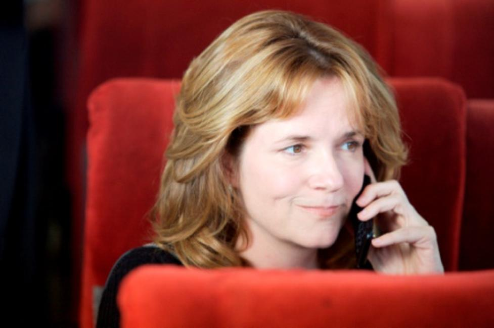 Lea Thompson as Maudie McMinn in