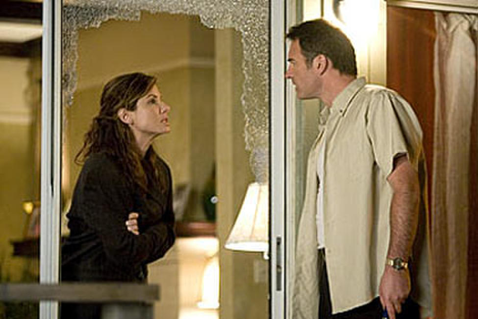 Sandra Bullock and Julian McMahon in