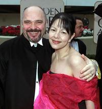 Anthony Minghella and Carolyn Choa at the 57th Annual Golden Globe Awards.