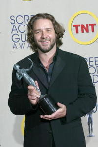 Russell Crowe at the 2002 British Academy Film Awards.