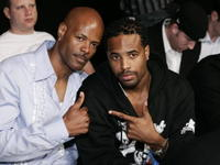 Damon Wayons and Shawn Wayans at the Ultimate Fighting Championship 60: Hughes vs. Gracie.