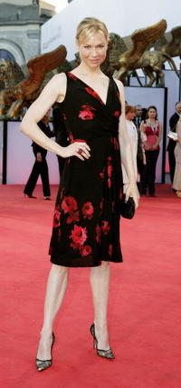 """Renee Zellweger at the premiere of """"Cinderella Man"""" in Venice, Italy."""