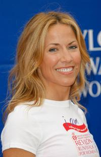 Sheryl Crow at the Revlon Run/Walk for women.