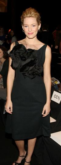 Elizabeth Banks at the Vera Wang Spring 2009 fashion show during the Mercedes-Benz Fashion Week.