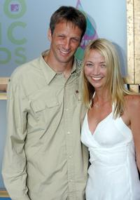 Tony Hawk and Mirriam at the 2005 MTV Video Music Awards.