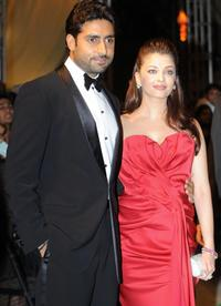 Abhishek Bachchan and Aishwarya Rai Bachchan at the International Indian Film Academy (IIFA) Awards 2008 ceremony.