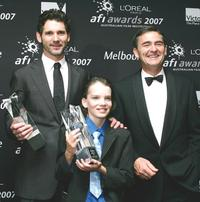 Eric Bana, Kodi Smit-McPhee and Guest at the L'Oreal Paris 2007 AFI Awards Dinner.