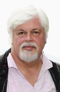 Paul Watson at the Sea Shepherd lunch honoring Michelle Rodriguez and Paul Watson in France.
