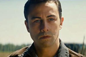 Joseph Gordon-Levitt Narrates That Time He Had to Kill Bruce Willis in New 'Looper' Trailer