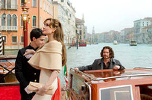 Johnny Depp and Angelina Jolie Ignite 'The Tourist' Trailer