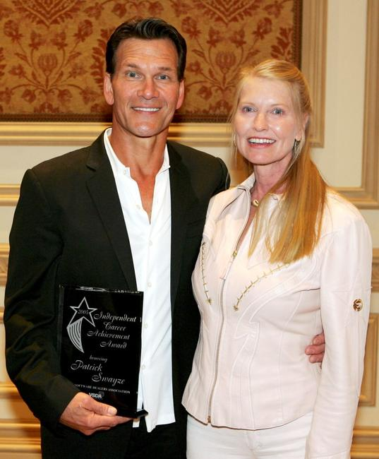 Patrick Swayze and Lisa Niemi at the Independent Career Achievement Award.