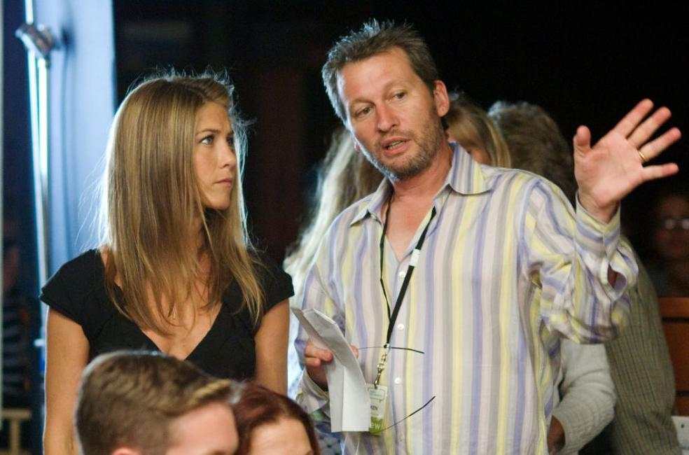 Jennifer Aniston and Director Ken Kwapis on the set of