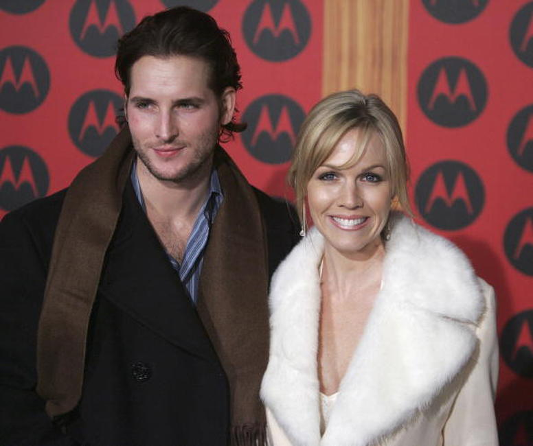 Peter Facinelli and Jennie Garth at the Motorola's Sixth Anniversary Party.