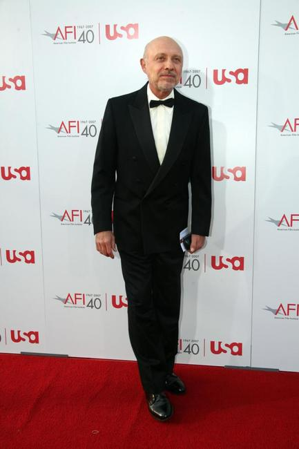 Hector Elizondo at the 35th AFI Life Achievement Award tribute to Al Pacino held at the Kodak Theatre.