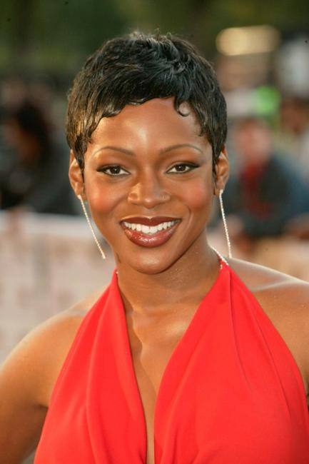 Caroline Chikezie at the 2004 Mobo Awards.