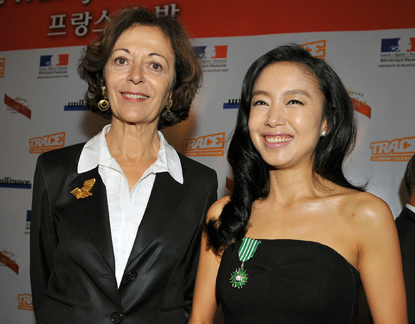 France's Minister for Foreign Trade Anne-Marie Idrac and Jeon Do-yeon at the Pusan International Film Festival.