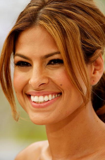 Eva Mendes at the Cannes photocall for