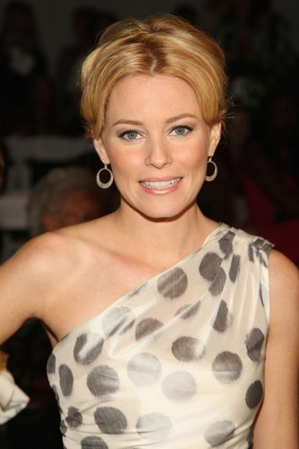 Elizabeth Banks at the Monique Lhuillier Spring 2009 fashion show during the Mercedes-Benz Fashion Week.